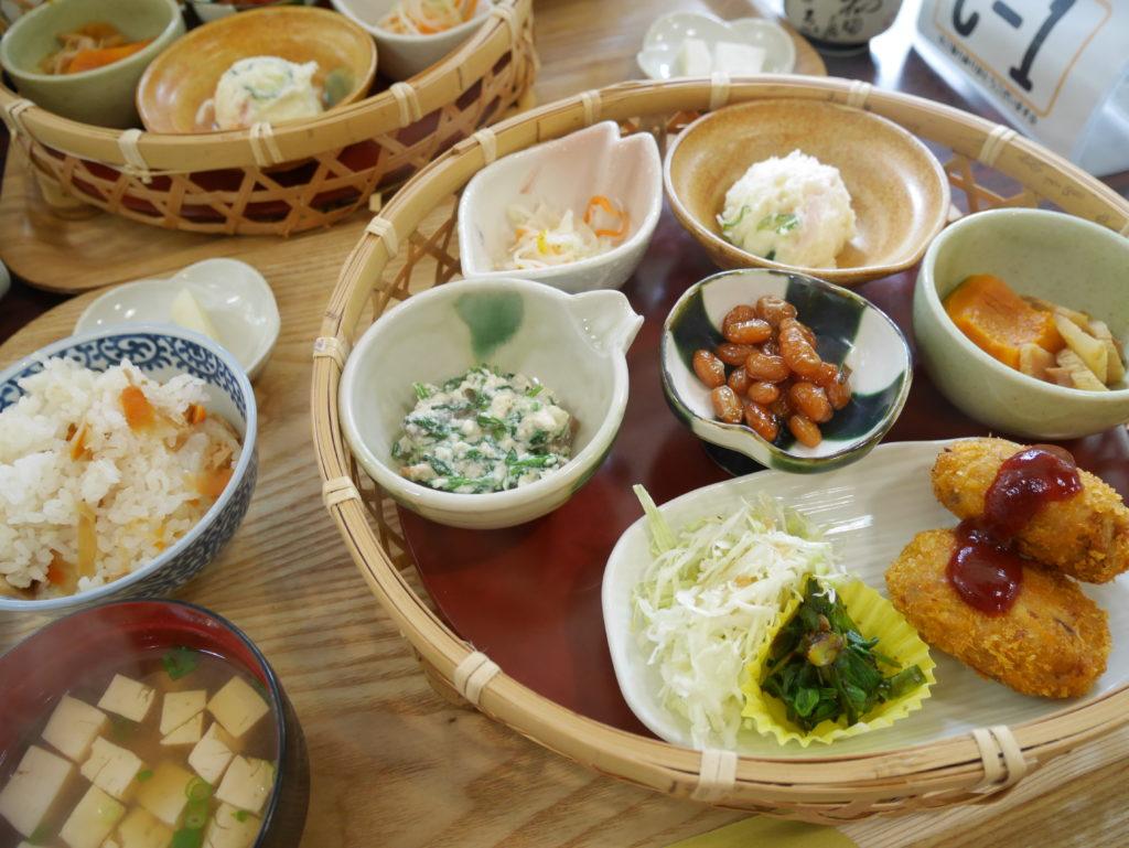「おばあちゃん手作りの味」を楽しむ旅。郷土料理~舟伏の里 おんせぇよぉ~町家ホテルbaisonから40分